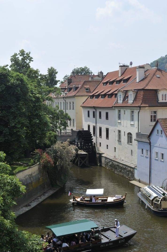 Praga esoterica cosa vedere Mulino del Gran Priore sull'isola di Kampa