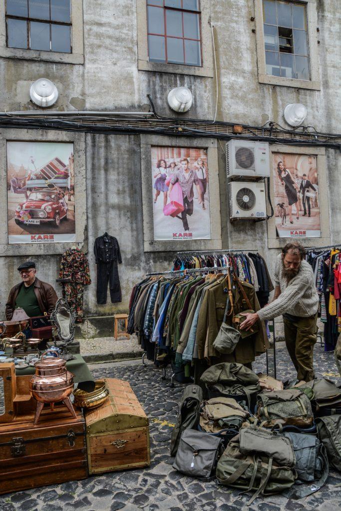 mercatino delle pulci Lisbona