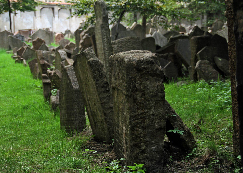 Lapidi nel Cimitero Ebraico diPraga