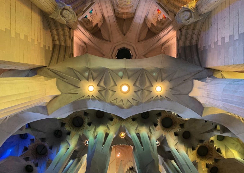 Interno Sagrada Familia